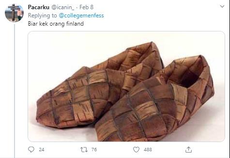pamer sepatu Twitter
