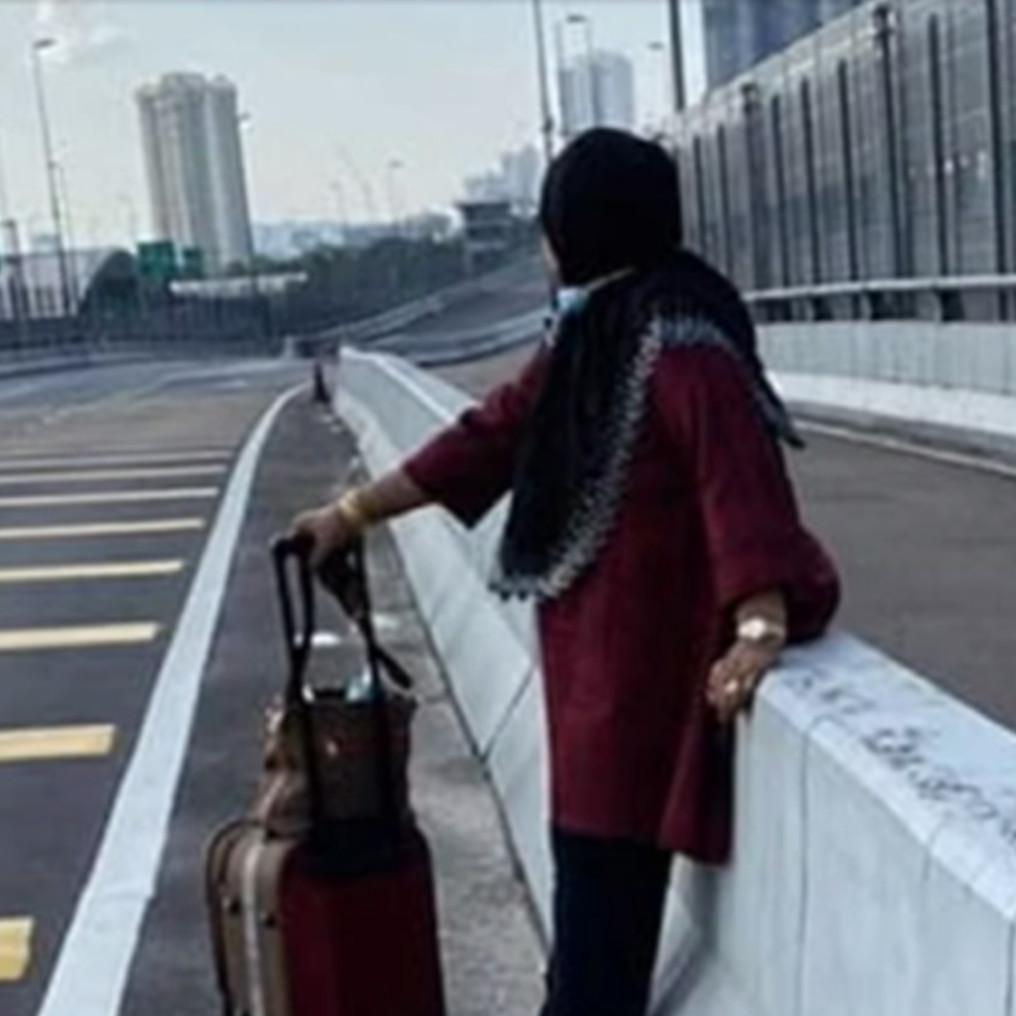 Viral nenek berjalan kaki dari Johor ke Singapura saat lockdown