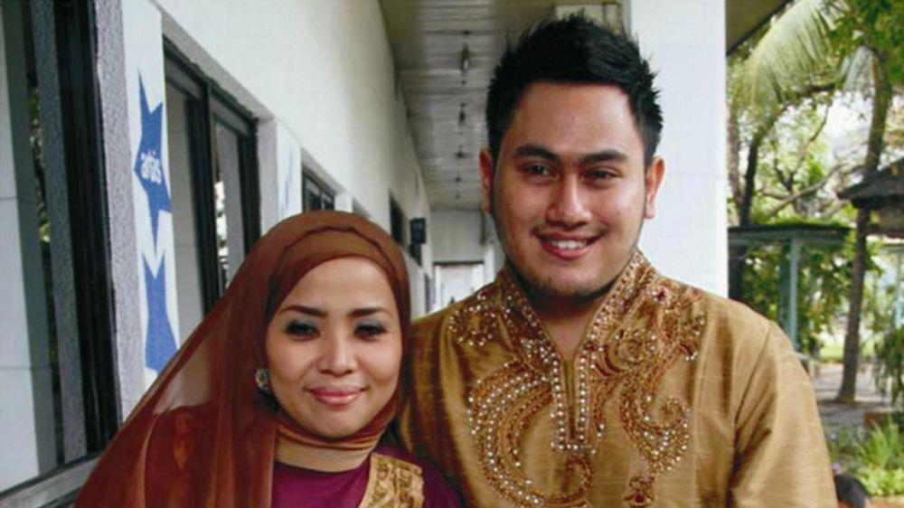 kisah 3 selebriti nikahi ibu angkat kapanlagi.com