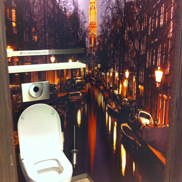 Keren, 10 desain toilet ini unik dan artistik abis Instagram