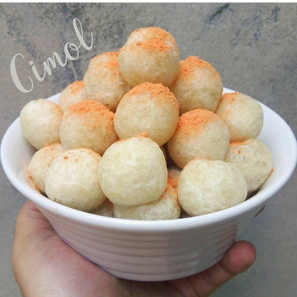 camilan dari tepung kanji © 2020 Instagram/@susan_gracia ; Instagram/@istribisamasak