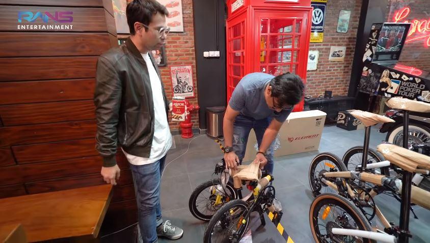 momen Andre belikan sepeda Raffi YouTube