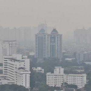 10 Penampakan langit Jakarta di masa isolasi corona ini beda banget