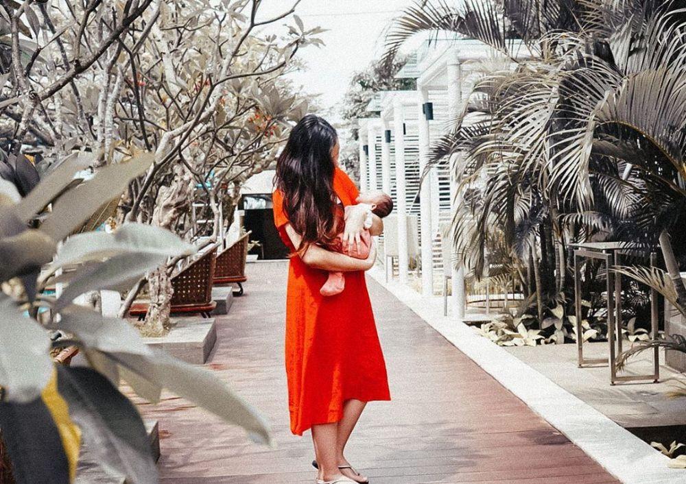 potret adzana bing slamet saat asuh anak instagram