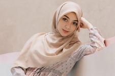 Tips padu padan busana muslim berbahan sifon & cara merawatnya