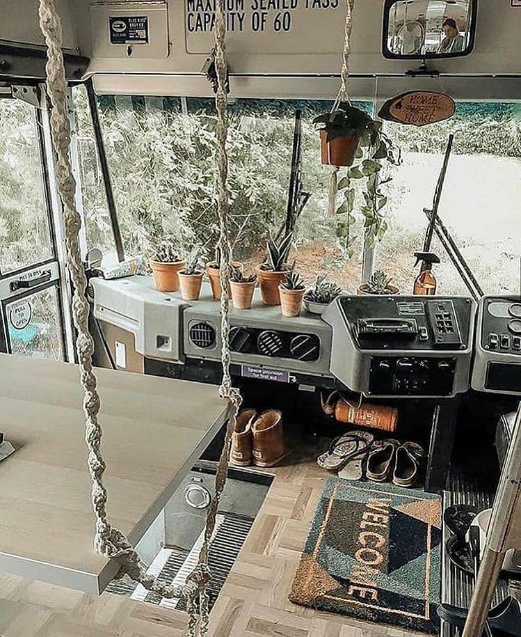Bus tua ini disulap jadi rumah Instagram/@therealbuslifeofcheshire
