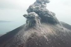 6 Fakta erupsi Gunung Anak Krakatau, tak memicu tsunami