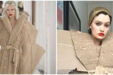 10 Potret cosplay dengan barang sederhana ini bikin senyum geli