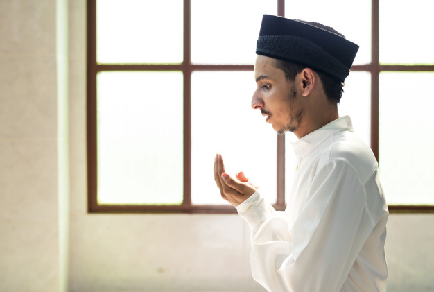 Niat dan doa puasa Ramadan © 2020  freepik.com
