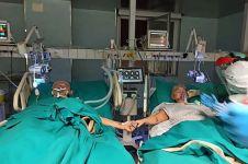 Positif corona, pasangan lansia rayakan hari jadi ke-50 di rumah sakit