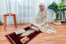 4 Keunggulan mukena trendy ini bikin ibadah lebih nyaman saat Ramadhan