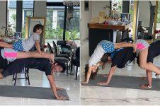 7 Aksi seru Jessica Iskandar yoga bareng anak & Richard Kyle