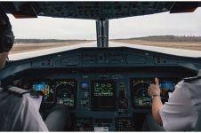 Pilot ini bikin simbol hati untuk pekerja medis, potretnya memukau