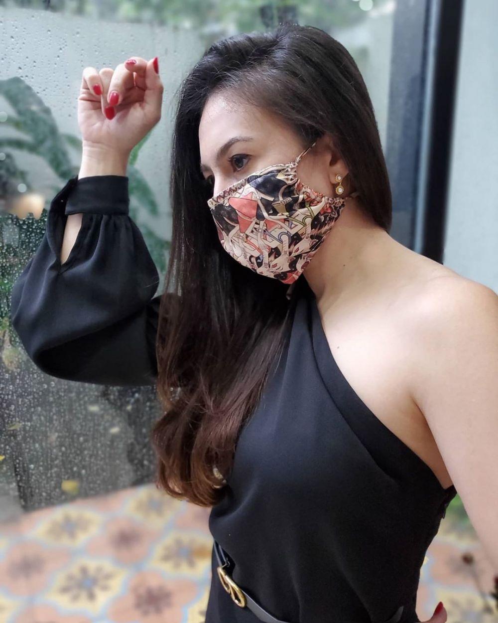 Seleb dandan nyentriki memakai masker © 2020 brilio.net