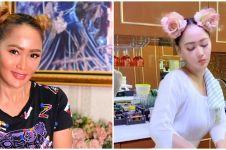 8 Gaya Inul Daratista saat masak, stylish dengan rambut kepang