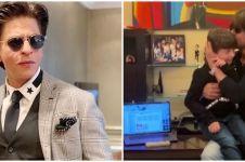 Reaksi Abram Khan dengar Shah Rukh Khan nyanyi ini bikin ketawa