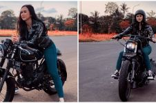 8 Pesona Aura Kasih saat naik motor gede, gayanya gahar
