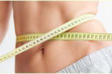 6 Tips dan cara mengecilkan perut buncit saat puasa, efektif & cepat