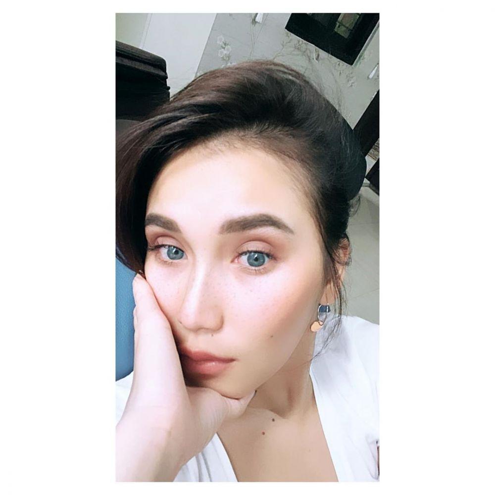 Ayu Ting Ting filter mata instagram