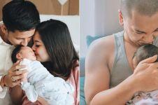 8 Seleb rayakan Lebaran pertama sebagai orangtua, penuh haru