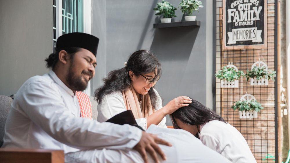 Ucapan sungkem saat Lebaran pakai bahasa Jawa © 2020 brilio.net