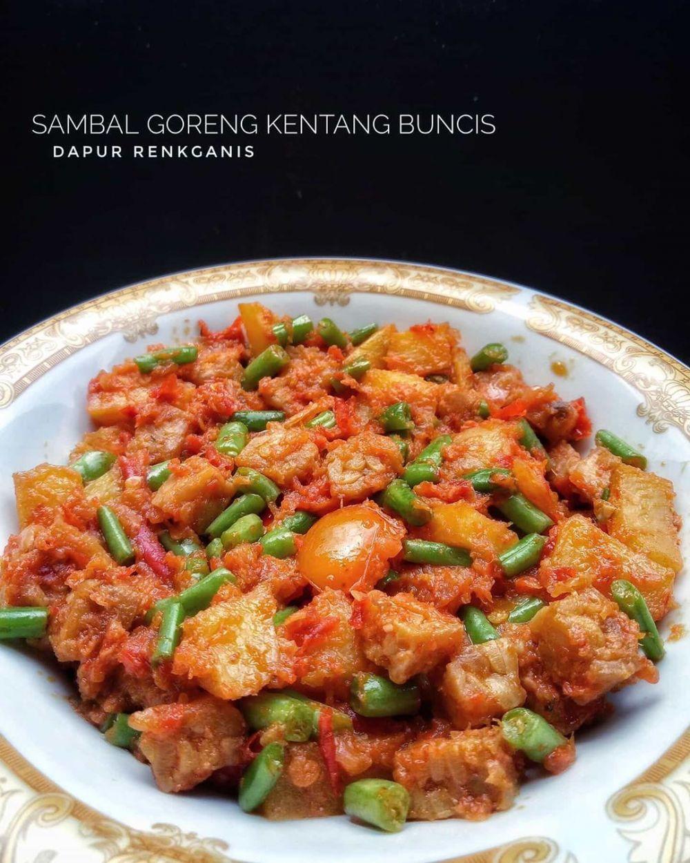 Sambal goreng kentang © 2020 Instagram/@nana_hanif7  ; Instagram/@yoanitasavit