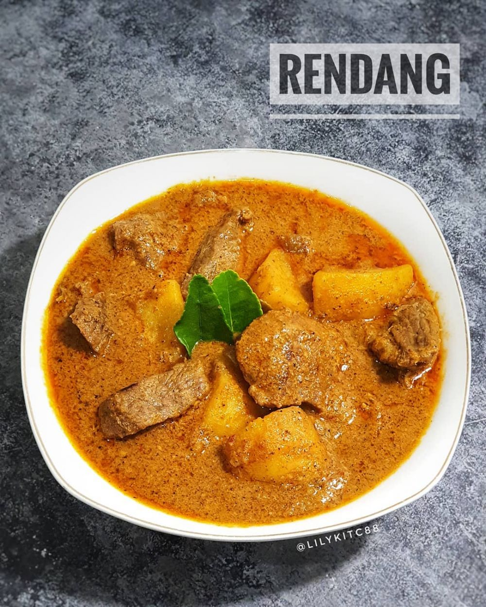 17 Resep masakan lebaran © 2020 Instagram/@nenipuspit ; Instagram/@banususanto