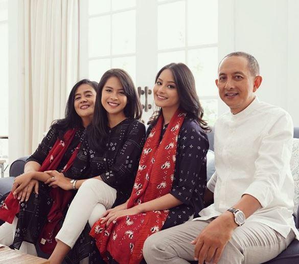 10 momen hangat Maudy Ayunda bareng keluarga Instagram