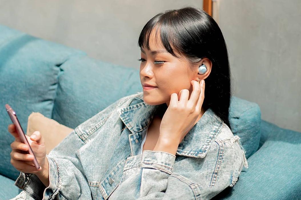 5 Kecanggihan Galaxy Buds+, earphone kekinian penunjang fashion