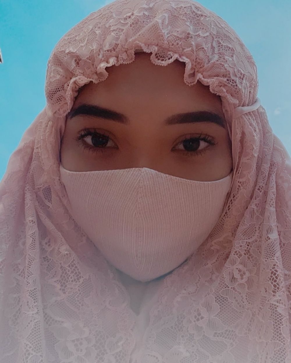 6 Seleb rayakan Idul Fitri 2020 pertama kali setelah jadi mualaf © 2020 brilio.net