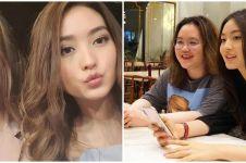 10 Potret kompak Natasha Wilona dan kakak, bak saudara kembar