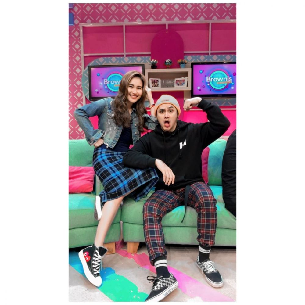 outer Ayu Ting Ting instagram