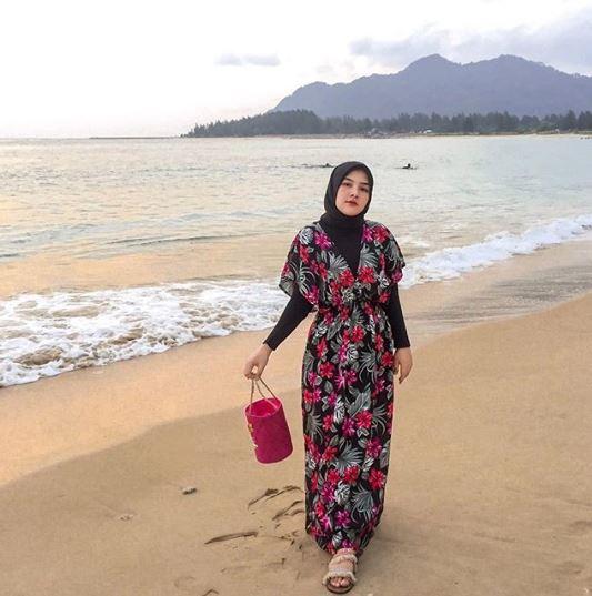 gaya outfit Una Maulina mantan calon istri Sahrul Gunawan © 2020 brilio.net