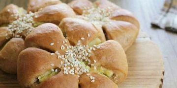 9 Resep roti isi kacang tanah super enak, empuk dan praktis