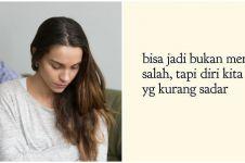 40 Kata-kata sadar diri untuk pacar, bikin doi makin peka