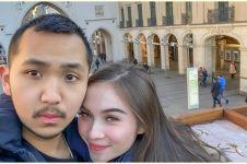 7 Potret Gusti Ega Putrawan, pacar Elina Joerg yang hadiahi mobil