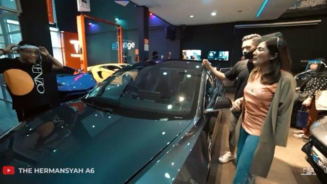 Potret mobil mewah baru Ashanty Istimewa