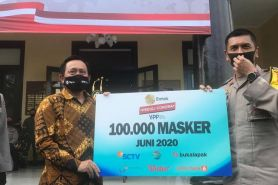 EMTEK Peduli Corona donasi 100.000 masker pada Kapolda Jawa Barat