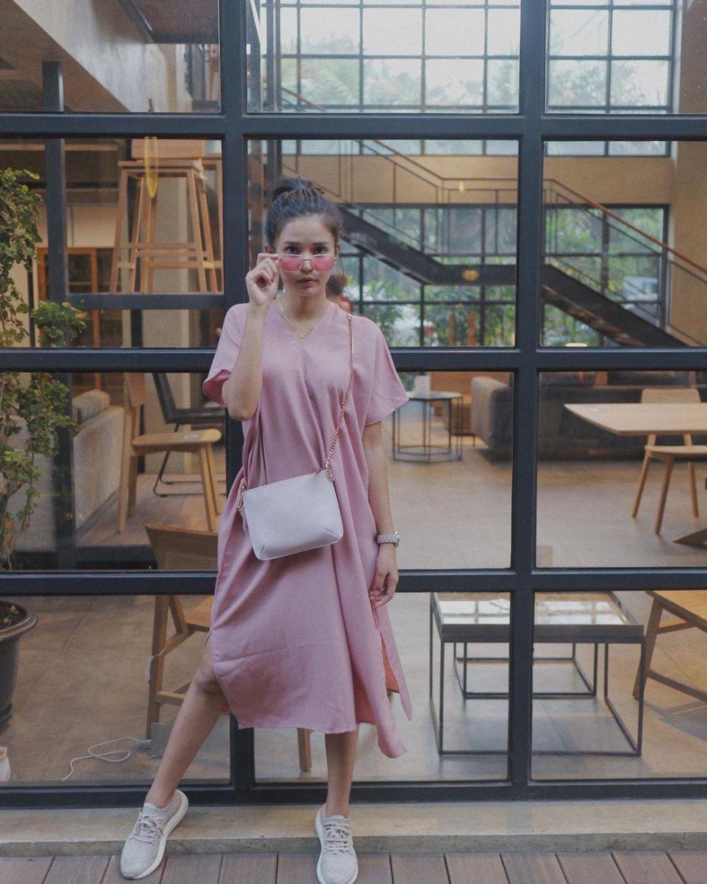 Gaya pemeran FTV Suara Hati Istri Instagram