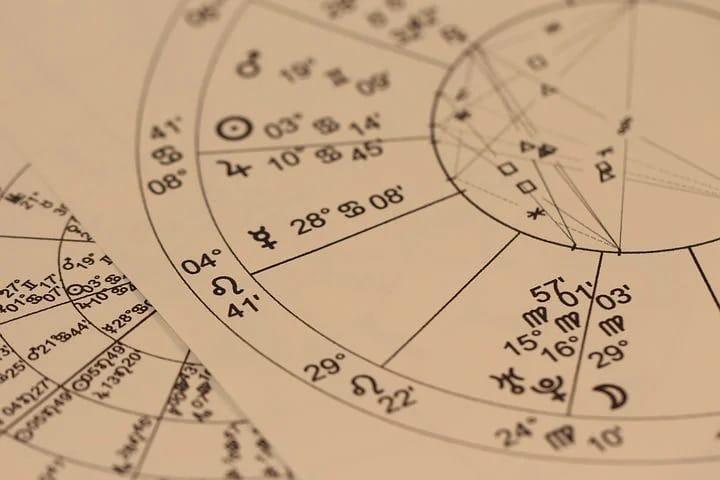 3 Zodiak ini diprediksi punya karier cemerlang saat new normal