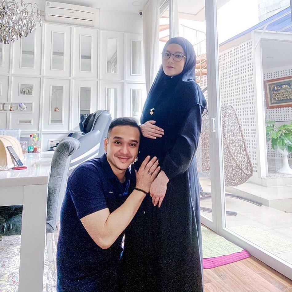 seleb dikaruniai anak setelah 7 tahun menikah instagram