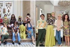 9 Potret arisan geng Mayangsari saat new normal, gayanya cetar