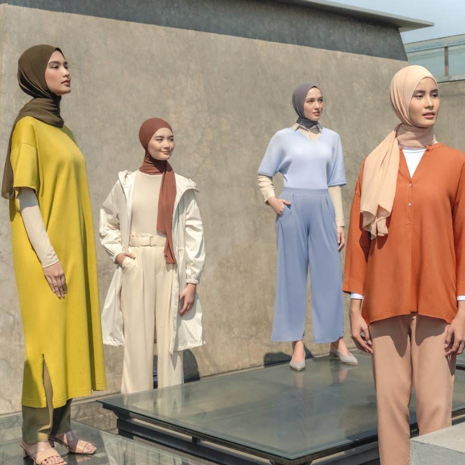 Tips padu padan busana ala Ayudia Bing Slamet untuk wanita berhijab