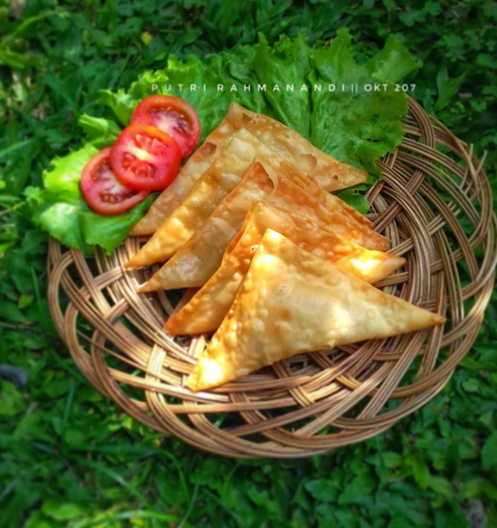 Resep pangsit paling enak © 2020 brilio.net Instagram/@dapoer_naqia ;  Instagram/@putri_rahmanandi