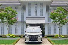 8 Potret desain taman rumah Raffi Ahmad, keren dan mewah abis