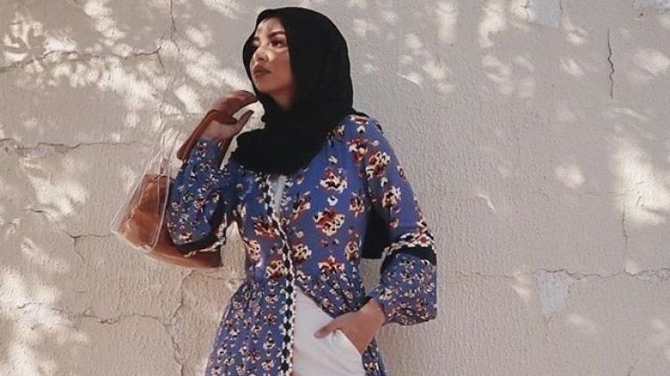 4 Inspirasi padu padan dress kemeja agar tampilan lebih kece