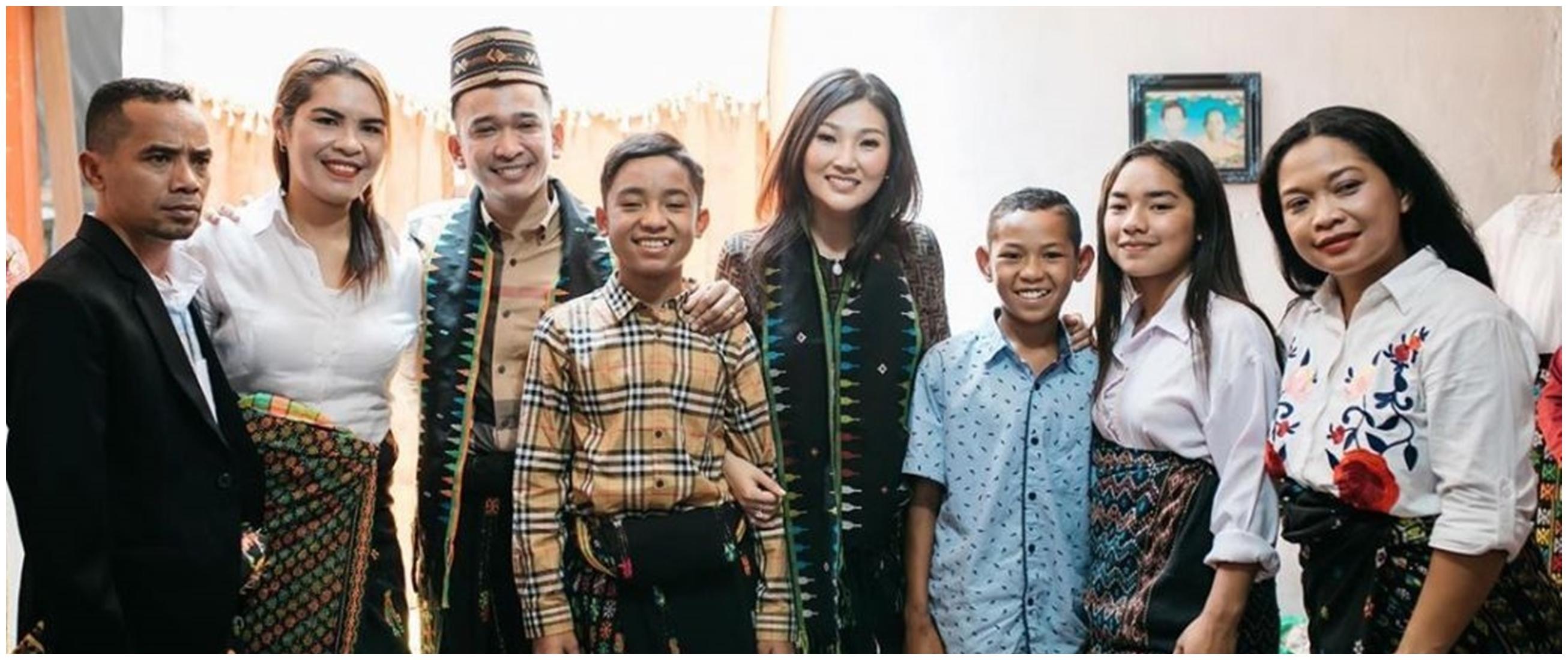 7 Momen akrab keluarga Ruben Onsu & keluarga Betrand Peto di NTT