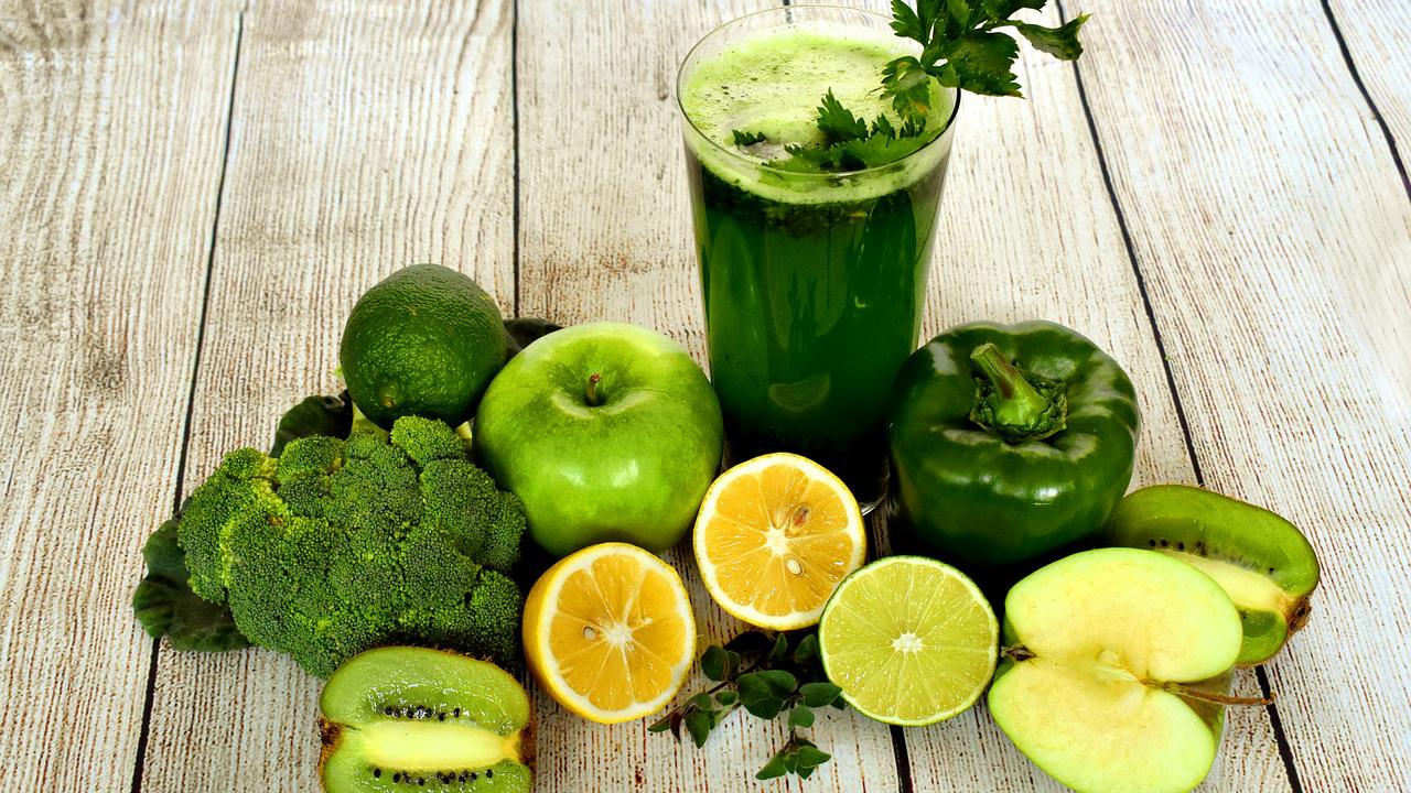 Jus dan smoothie, mana yang lebih mudah turunkan berat badan?