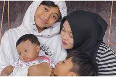 7 Momen akrab Rizky Febian & Putri Delina bareng anak mendiang Lina