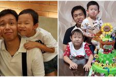 8 Potret wisuda anak kembar Hendra Setiawan, gigit medali bak atlet